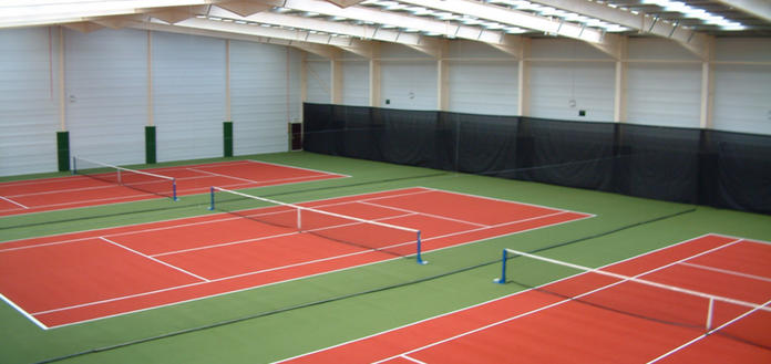 8 x Indoor and 4 x Outdoor Tennis Courts